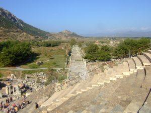 Ephesos: Blick vom Theater auf die Hafenstraße By Hans Weingartz (Self-photographed)